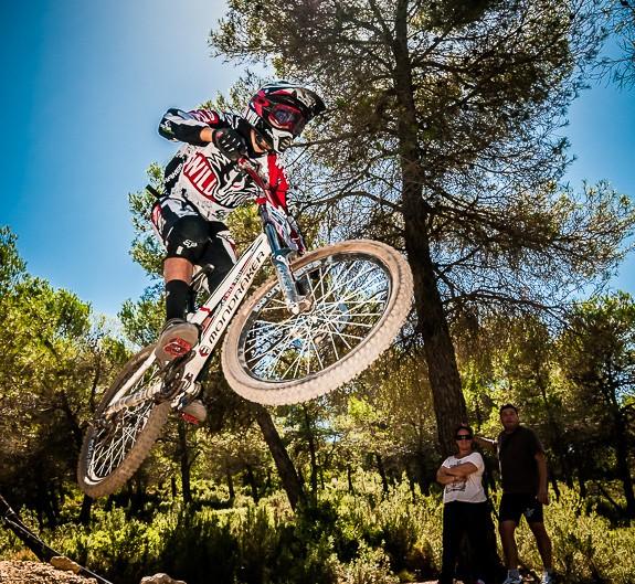 Fotografia deportiva del downhill V Fun Cup de la Fenasosa Bikepark