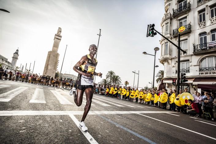 Fotografia deportiva running del Medio Maratón de Valencia Trinidad Alfonso 2014